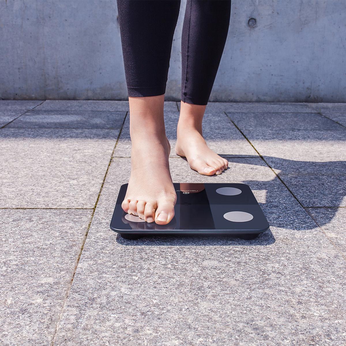 9種の体内データをアプリに自動で記録。自然とやる気が出て、毎日の測定が楽しみになる「スマート体重計」|MINIMI(ミニミ)