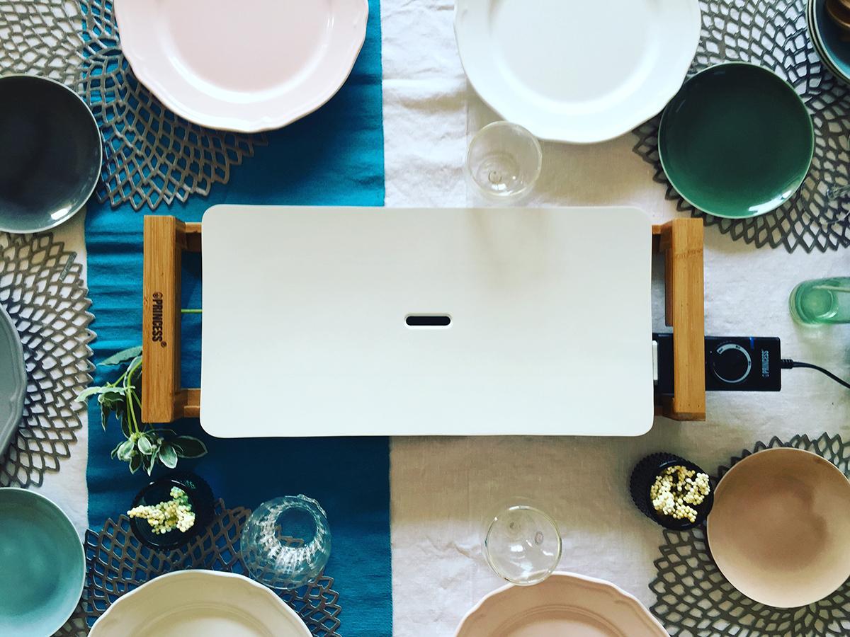 純白のセラミック製テーブルグリルプレート・ホットプレート