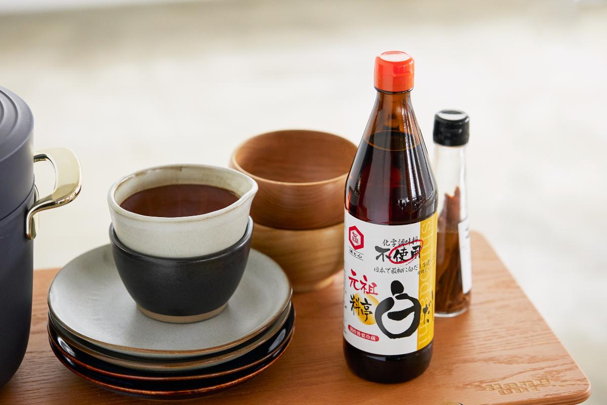 いつもの料理が料亭の味に変わる。忙しい人、初心者の人にもおすすめ|日本で唯一の有機白醤油と枕崎産本枯節を使った「白だしの元祖」万能調味料|七福醸造の元祖料亭白だし