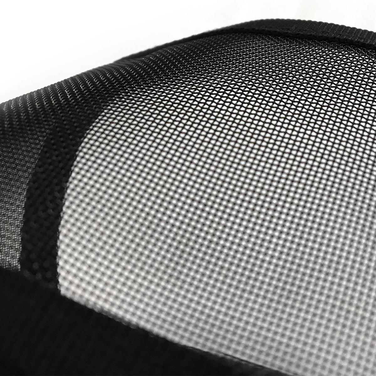通気性抜群のショルダーストラップは、耐水性の高いエアーメッシュ素材。汗をかく季節や長時間動き回るシーンでもムレなどの不快感がなく、とにかく快適なバックパック|Matador freefly16