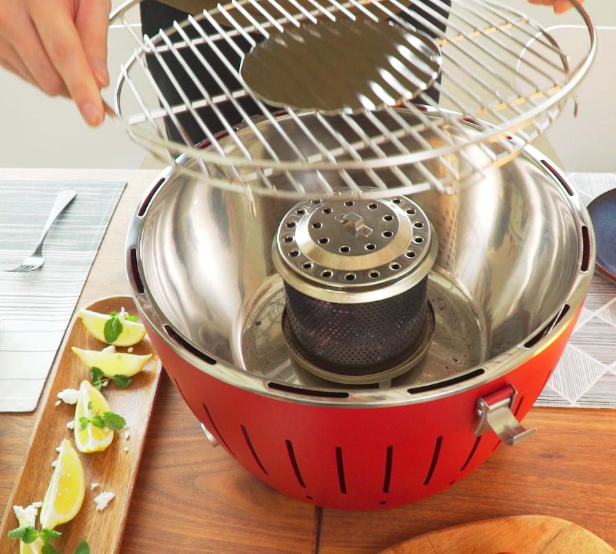 食洗機OKで、お手入れがラク。煙が少ない火力調節ファン付きロースターで、大人の気楽なBBQができる「炭火焼グリル」(コンパクト・軽い、ミニ、スモールサイズ)|Lotus Grill
