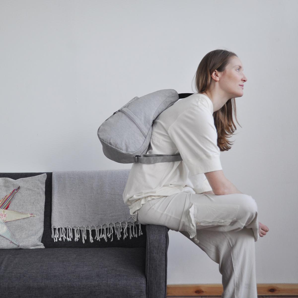 人間工学による「しずく型」で、体に負担をかけないバッグパックS Healthy Back Bag