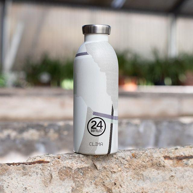 ボトルの外側も、マットな塗装が大人っぽい印象。毎日持ち歩きたくなる、色柄豊富なイタリアンデザインのマイボトル|24Bottles(トゥエンティーフォーボトルズ)