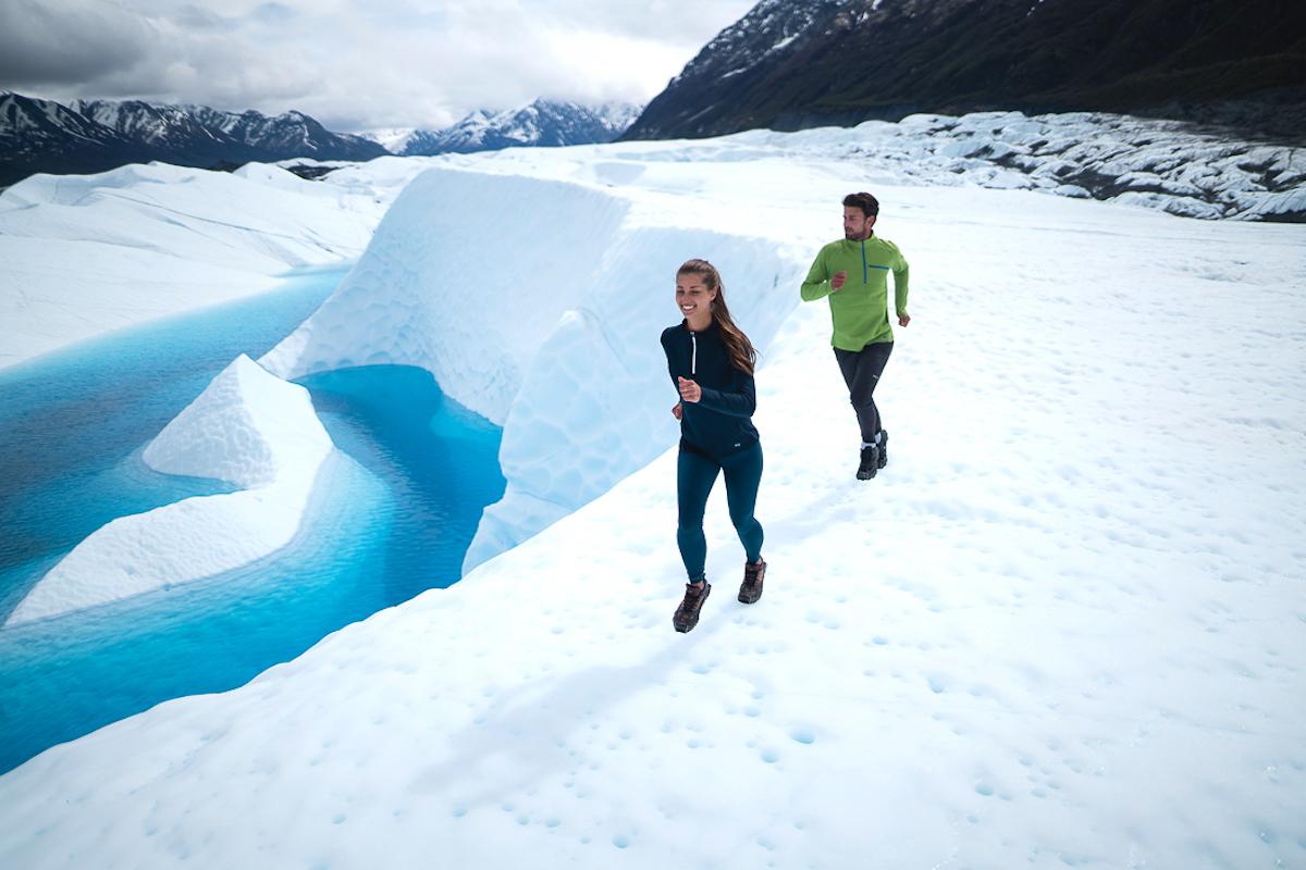 運動して汗をかいてもムレずに発散し、乾きやすいから汗冷えもしにくく、ゴルフや登山、トレイルランにも最適 真冬のランニングや春秋のアウトドアレジャーに!伸縮性バツグン、ムレない、寒さを感じさせない「クォータージップ」 Oros Quarter Zip(オロス)