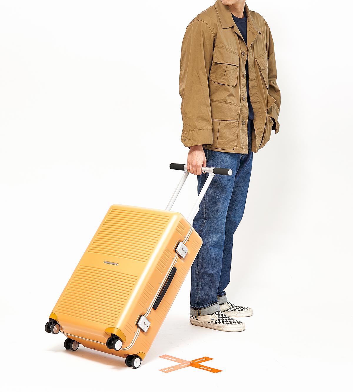 国内旅行、海外旅行、ビジネス、留学、出張、長期滞在に。気の利く設計であなたの旅路に寄り添うスーツケース(63L・4〜5泊〜)|RAWROW