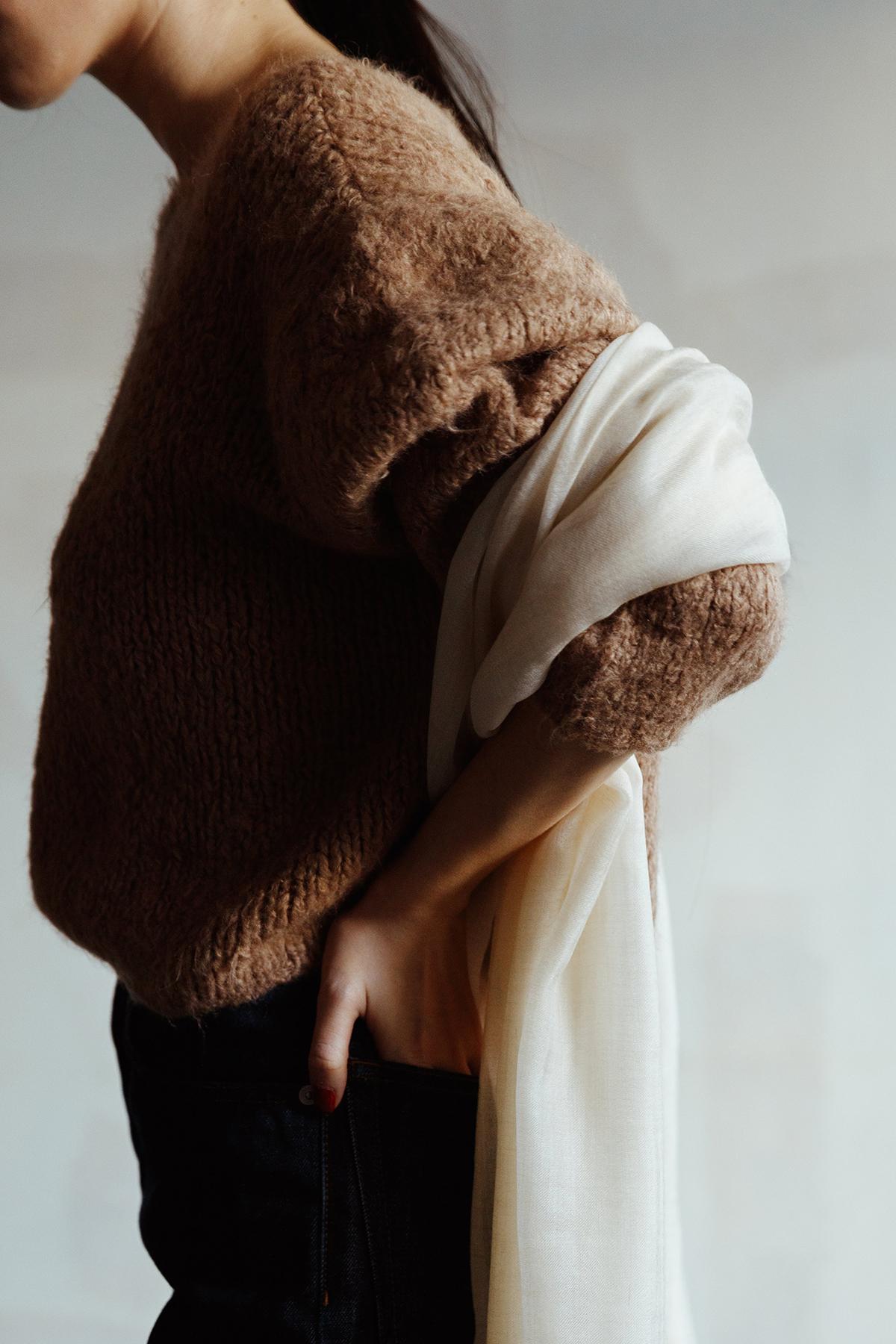 トップメゾン級の織り技術で、軽くて柔らかなカシミヤ100%ストール ADOS(エイドス)