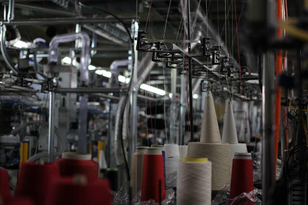 職人の手と目による検品を重ねて、仕上げています。|消臭効果、サラサラ効果が続く、美濃和紙を使った和紙靴下・和紙ソックス