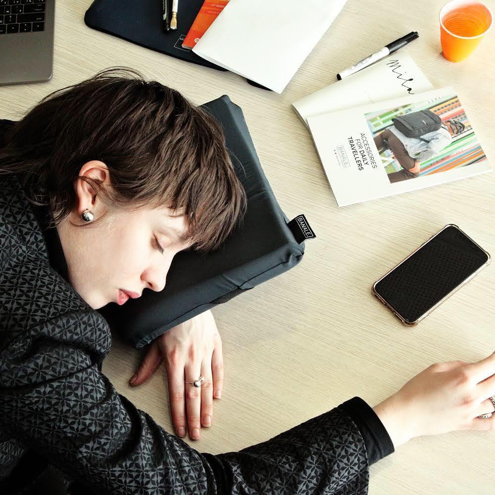 睡眠の質改善にはスイッチの切り替えが不可欠。睡眠の質の向上に取り入れたい新習慣&グッズ5選-心地良い眠りへと誘うノウハウを集めてみました