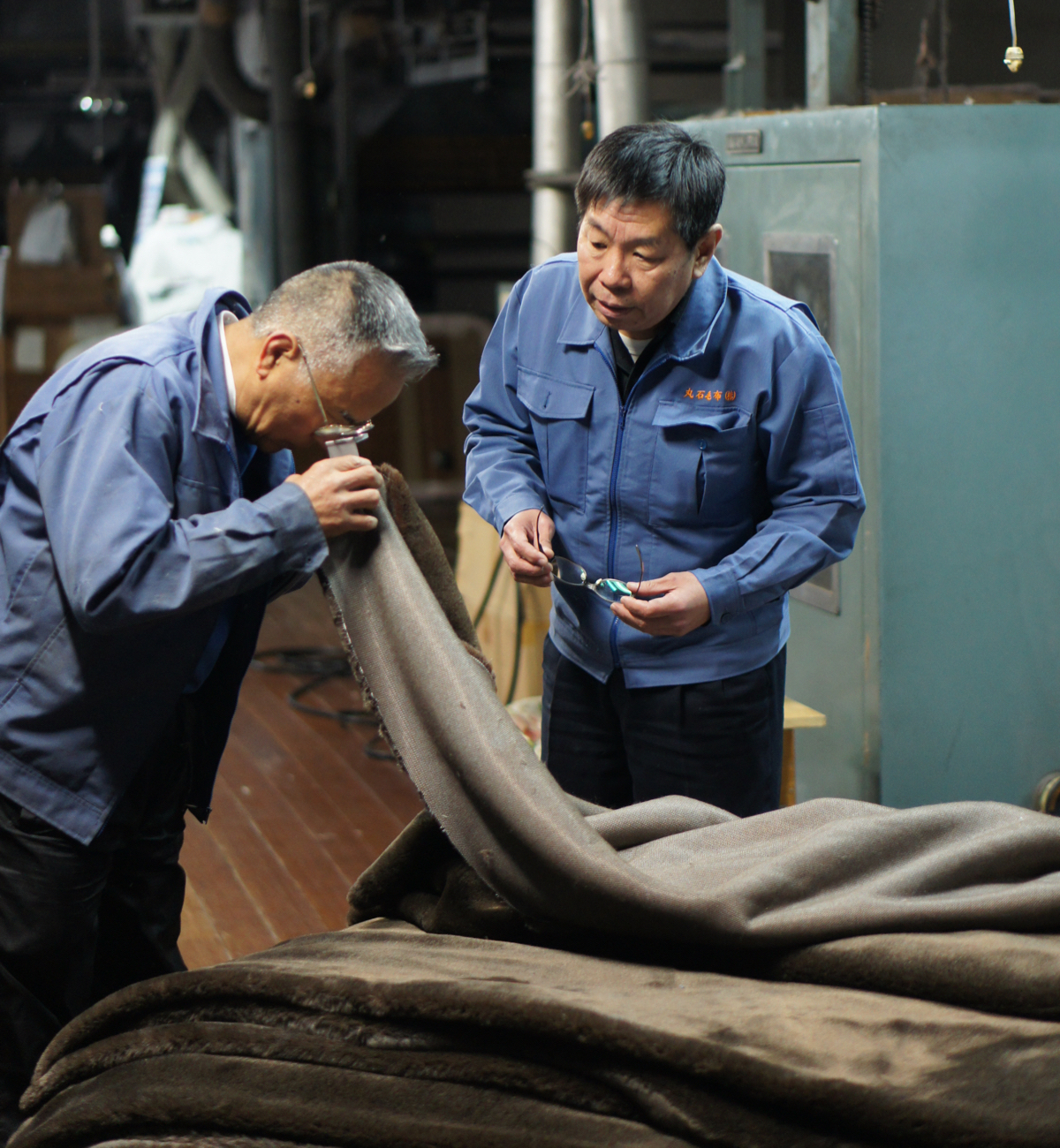 一般的な毛布の仕上げ加工は約30工程ほどですが、本品は、なんと54工程も重ねています。暖かさはもう当たり前、軽さとなめらかさも実現した「毛布」|CALDONIDO NOTTEⅡ(カルドニード ノッテ)