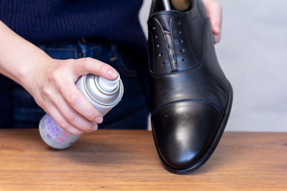 無理しない靴のスキンケア方法(お手入れ方法)8。プレミアム靴クリーム| 三陽山長