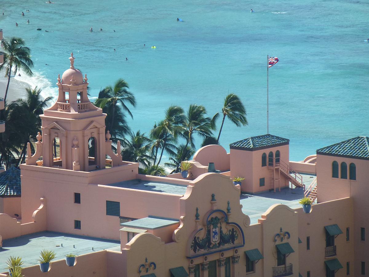 HONOLULU(憧れのホテル「ピンク・パレス」)がテーマのビーチサンダル|九十九サンダル