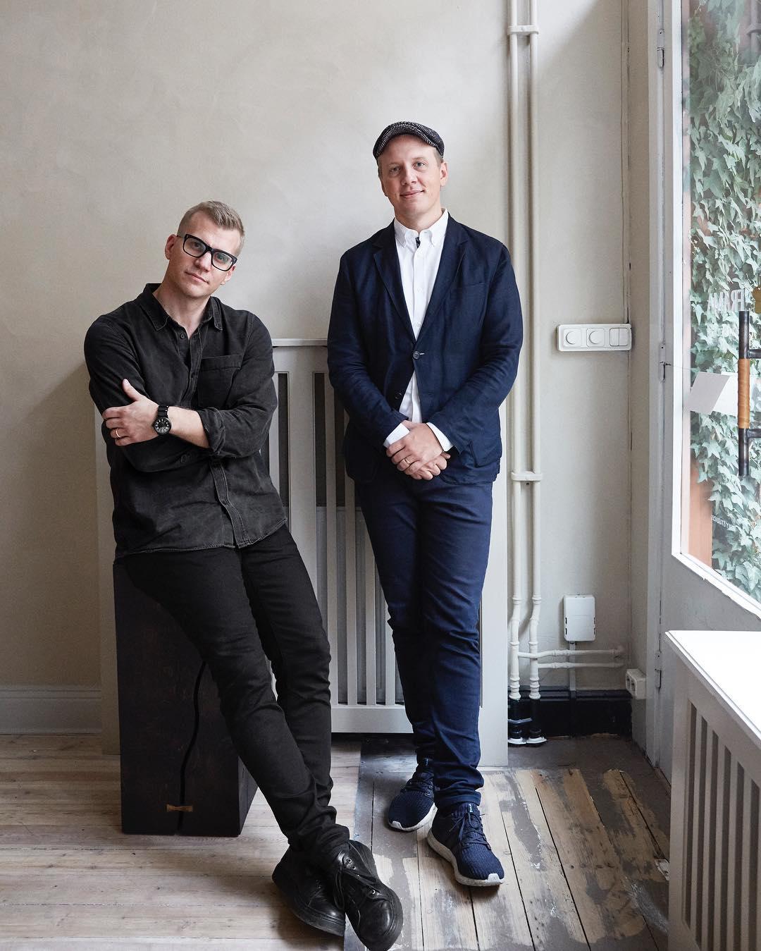 開発者は、スウェーデン出身のパー・ブリックスタッド氏とマーティン・ウィラーズ氏。ガラスとスピーカーユニット2つだけ、美しい佇まいの「Bluetoothスピーカー」|TRANSPARENT SPEAKER(トランスペアレント スピーカー)