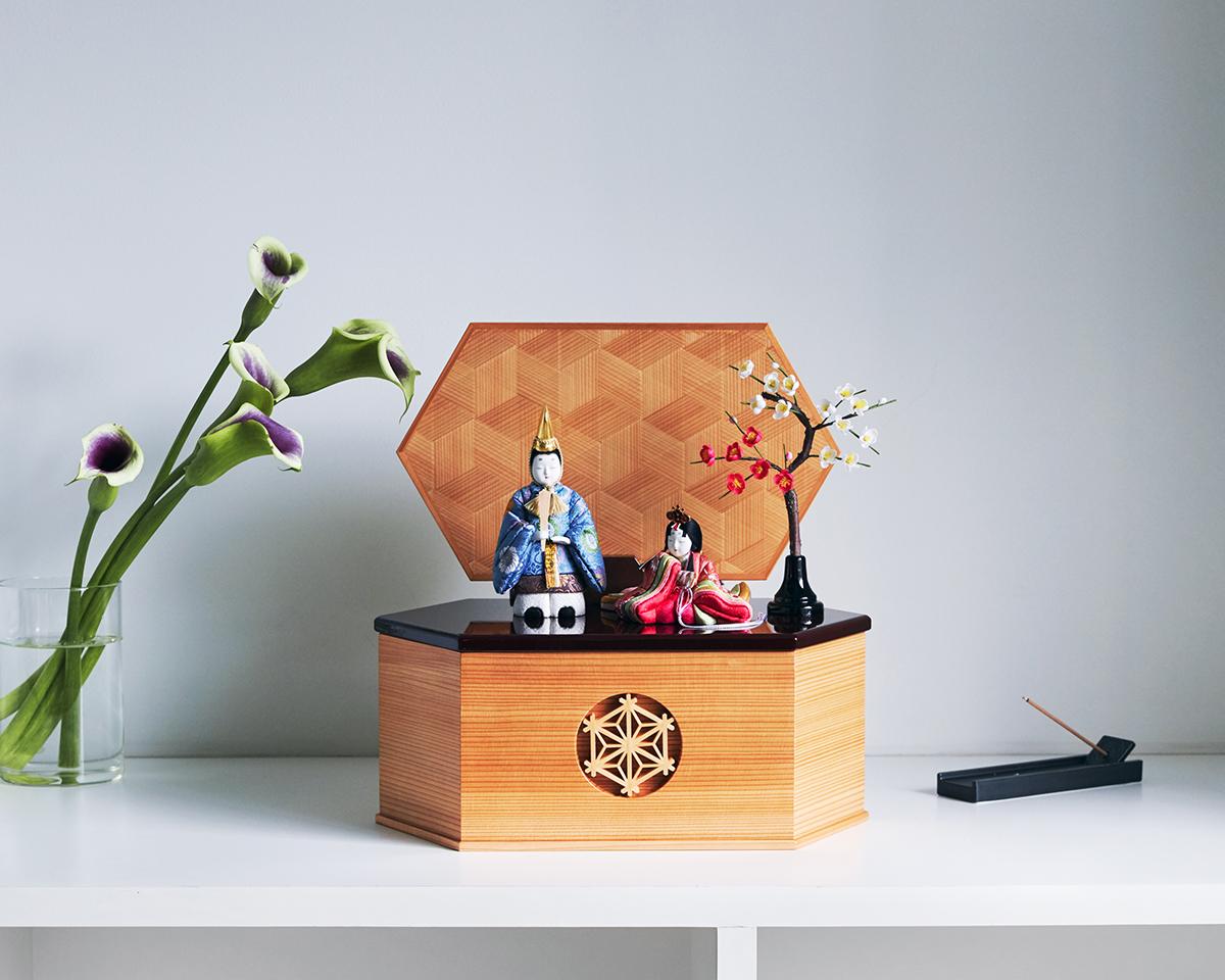 《六角形/中》7つの日本伝統工芸をコンパクトモダンにした、江戸木目込の「プレミアム親王飾り」 宝想雛 柿沼人形