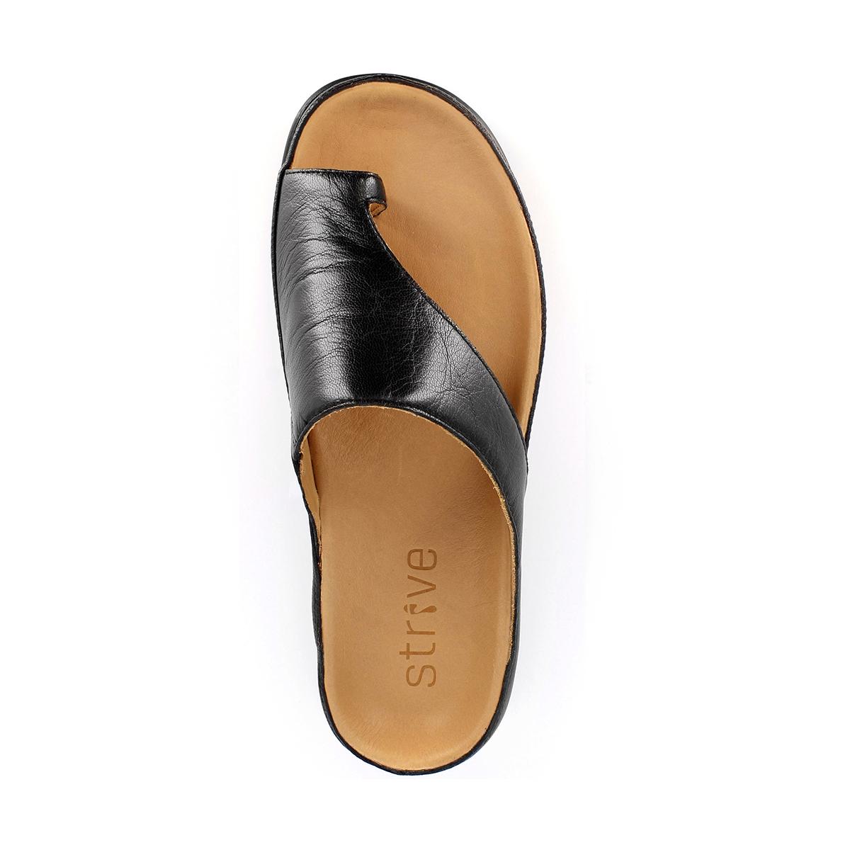 足が疲れにくい、独自開発の立体インソールで、スニーカーみたいに歩き回れる「サンダル」|strive