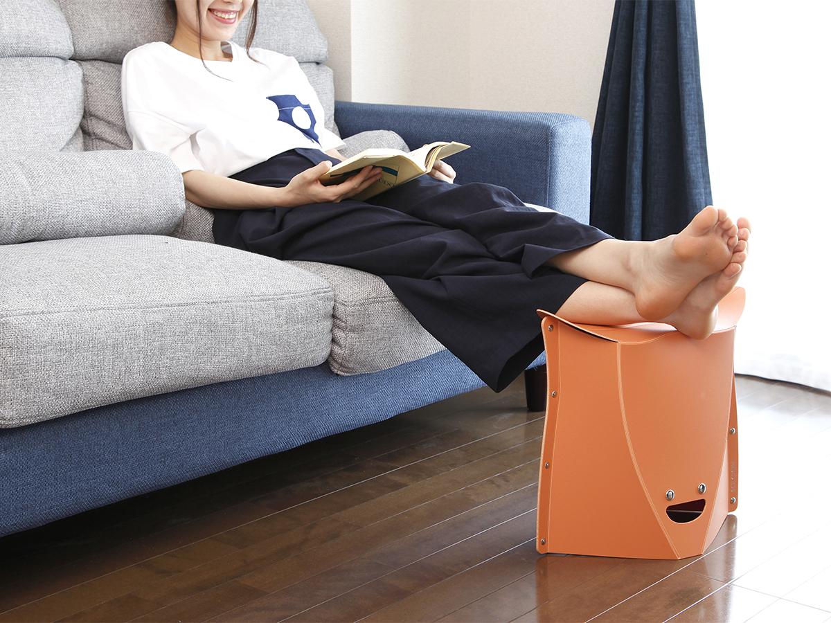日常的に取り入れやすいカラーとデザインの使う場所を選ばない、薄さ3センチに畳めるイス|PATATTO