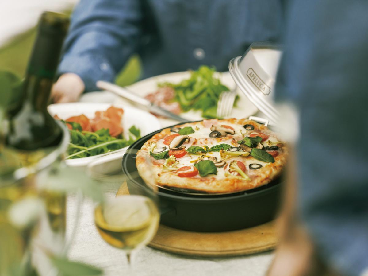 シリーズにピザポットもあるので、セットで贈れば本格的なピザも楽しめるのでおすすめ。調理器具のプレゼント選びに困った時のおすすめ5選