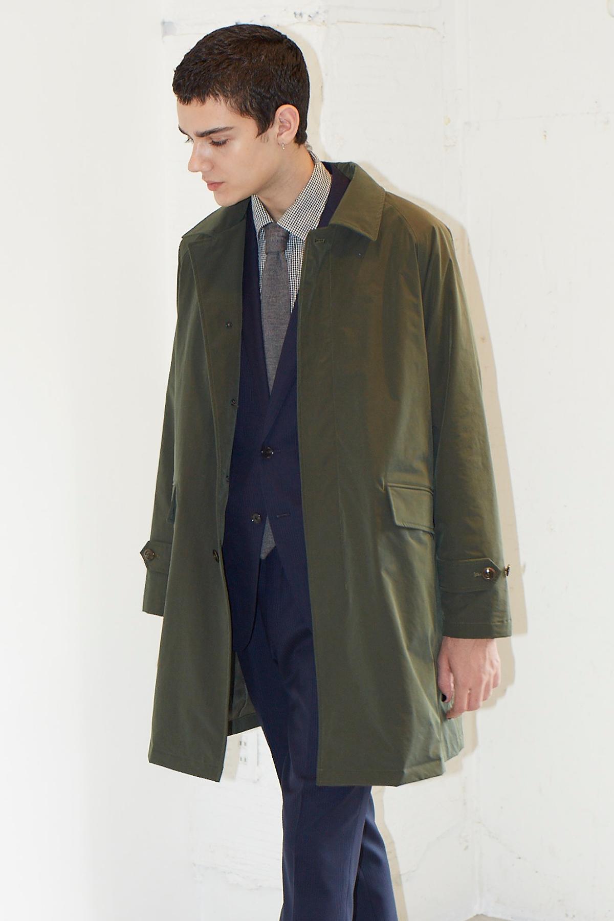 秋、冬、春と長く着られる。発熱性素材「コマサーモ」を使用した、薄くてかさばらないのに暖かいコート|SANYOCOAT サンヨーコート(HEATIER)