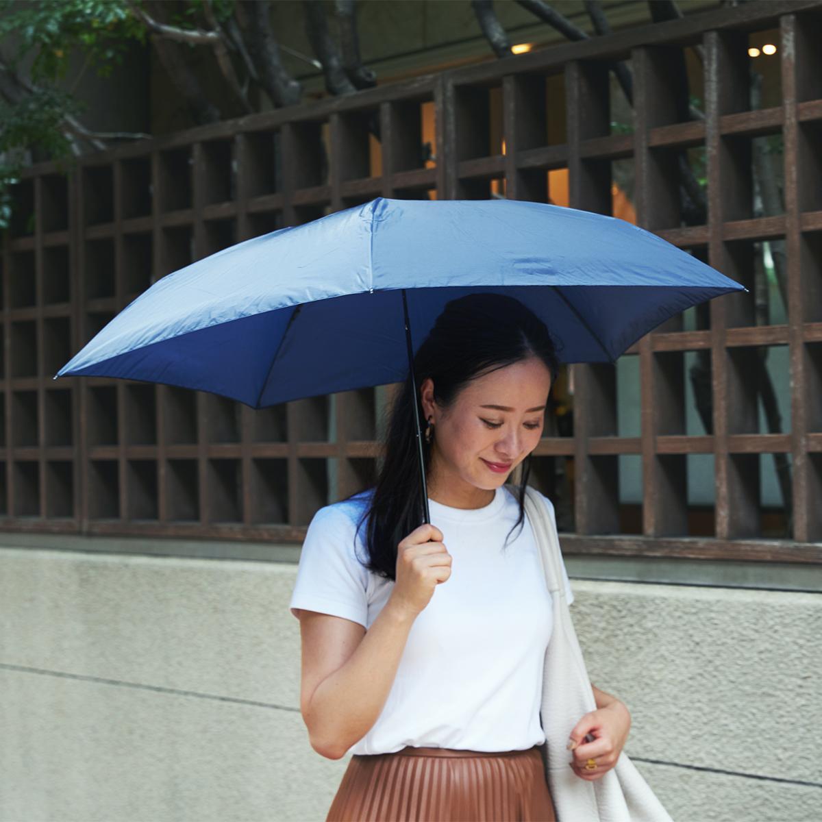 水はじきもバツグンだから、自然乾燥の時間も短くなり、お手入れがラク。水はじきバツグン、極細なのに耐風構造の「世界最軽量級折りたたみ傘」|Pentagon72