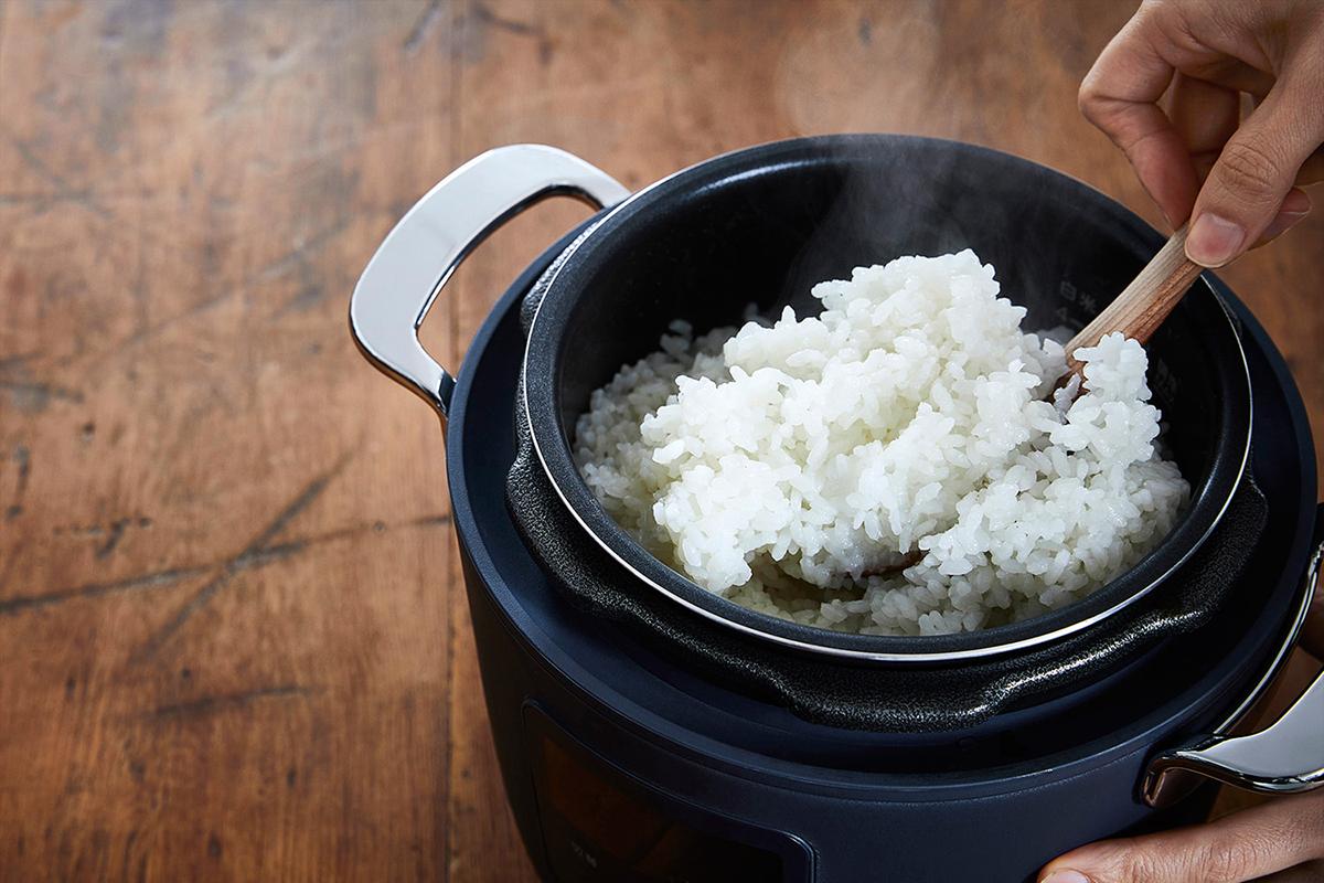 人気の8品をおまかせ調理できる「オートモード」付き。肉はジューシーに、ジャガイモはホクホクに下ごしらえ!炊飯も調理も楽チンで早い「アシスト調理器・電気圧力鍋」|Re-De Pot(リデ ポット)