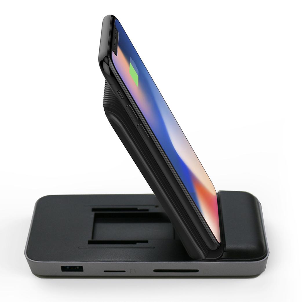 スマートフォンの発熱を抑えながら安定的的に充電するために考え抜かれたデザイン「8in1 USB-Cハブ+ワイヤレス充電器」|Hyper Drive