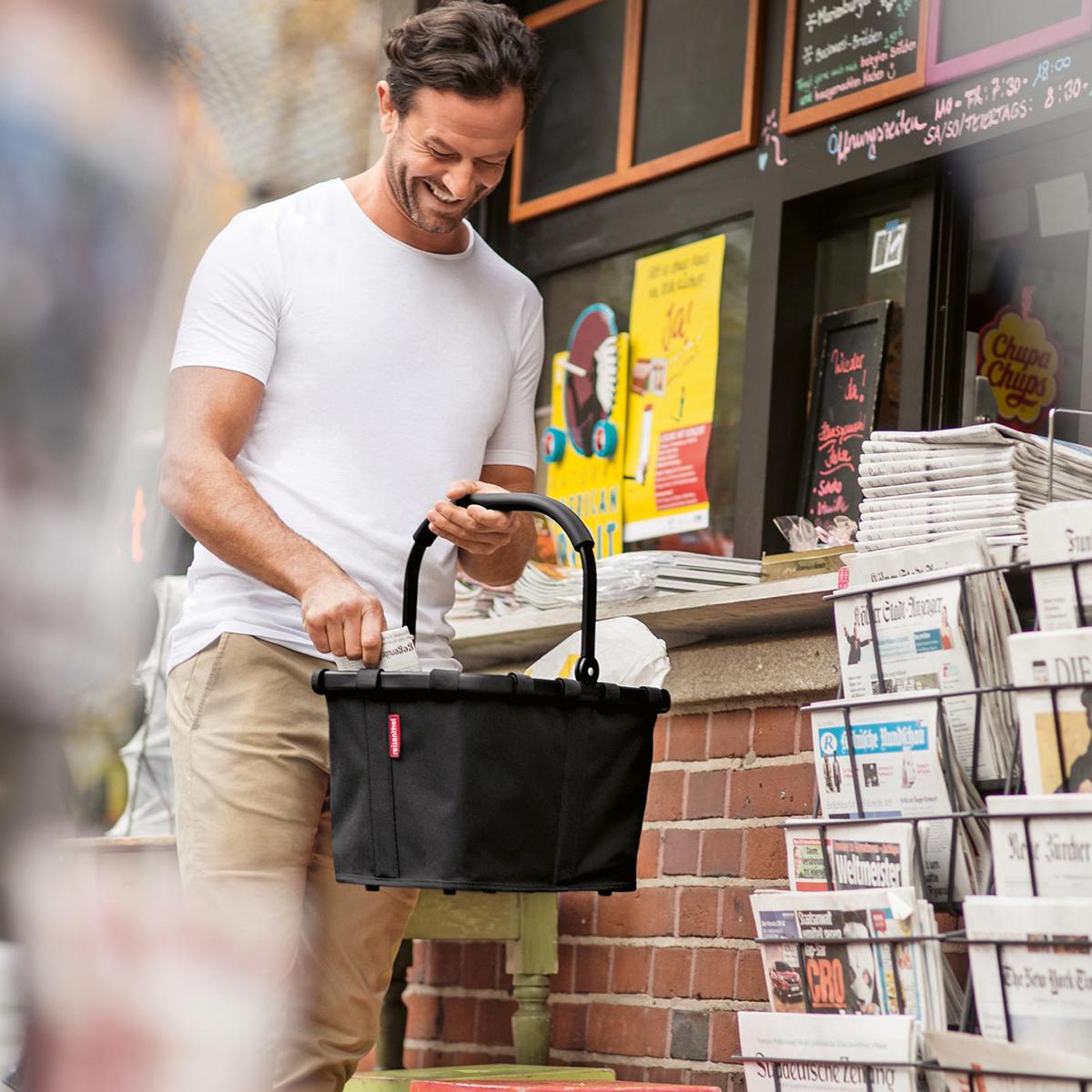 キャリーバッグにもなる防水の買い物バッグ|reisenthel
