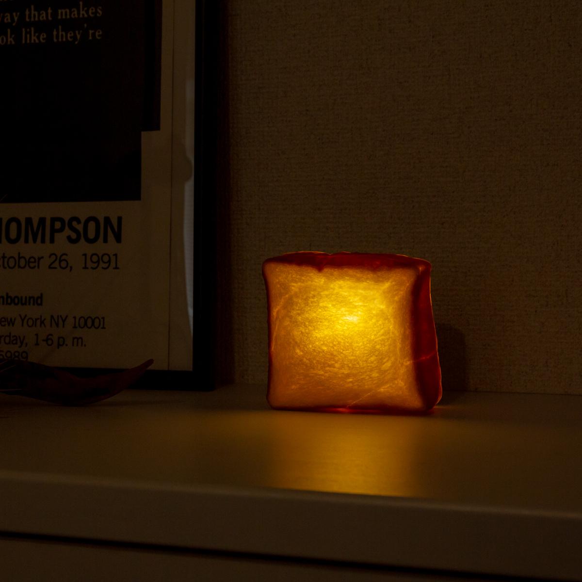 玄関|本物のパンがそのままインテリアライトに!置くだけで明かりのオンオフができる「ライト・ランプ・間接照明」|モリタ製パン所「パンプシェード」