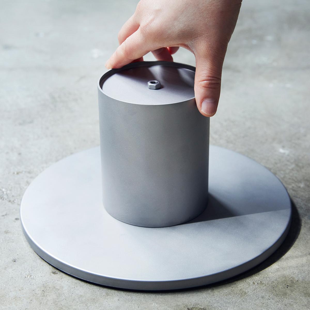 設置方法1|煙突効果で炎が廻りながら上昇!煙が出にくい安全燃料の「テーブルランタン&ガーデントーチ」|Hofats SPIN(ホーファッツ スピン)