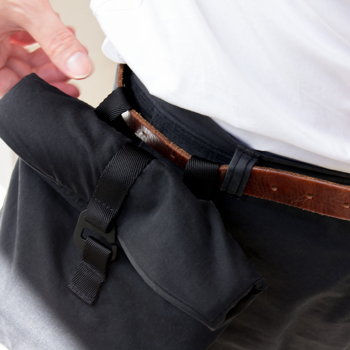 【ベルトポーチ】シーンに合わせて4通りの使い方ができる「4WAYウエストバッグ」(水濡れや汚れに強いドライコレクション)|Topologie