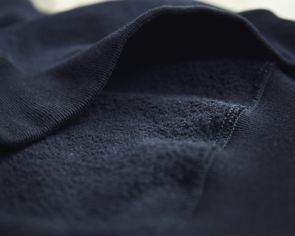 質の高さから空気も一緒に編み込んだようと表現されるほど。スポルディング社の名作から、現存していない「ブラック」をMade in Japanで「トレーニングシャツ」|A.G. Spalding & Bros