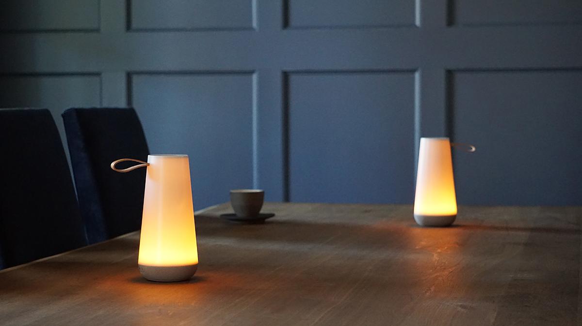 ダイニングテーブル|より会話が弾み、忘れられないひと時になる。「音」と「光」の調和するワイヤレスHi-Fiスピーカー|Pablo UMA MINI