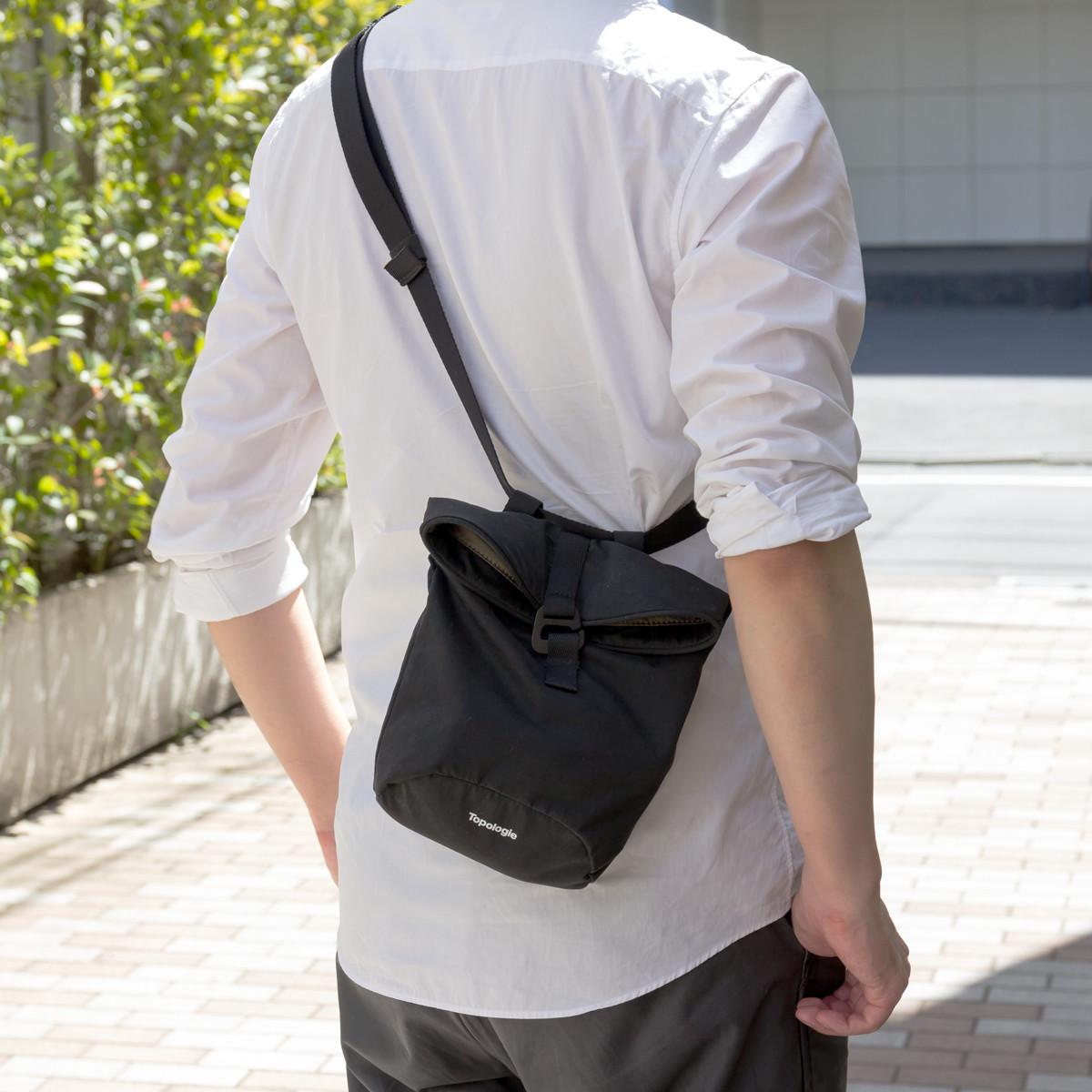 サコッシュ|男性・女性ともに取り入れやすい肩掛けスタイルができる4WAYウエストバッグ | Topologie