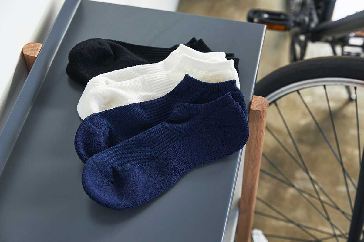 洗っても破れない、水に強い和紙の糸で編んでいます。|消臭効果、サラサラ効果が続く、美濃和紙を使った和紙靴下・和紙ソックス