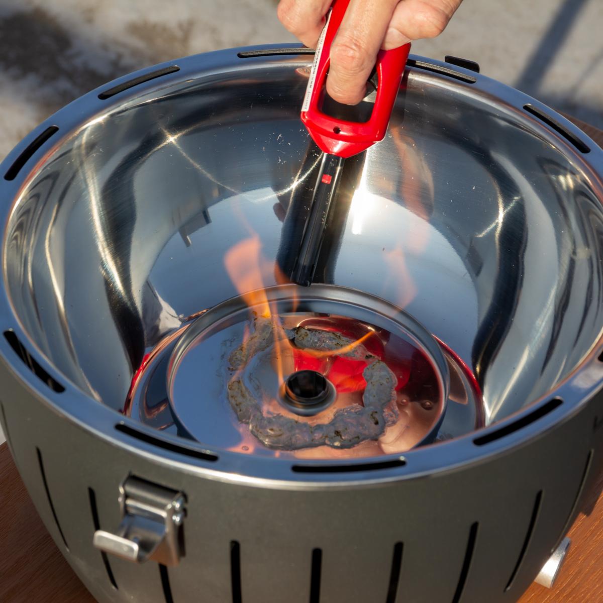 手順2|煙が少ない火力調節ファン付きロースターで、大人の気楽なBBQができる「炭火焼グリル」(一人キャンプ、ソロBBQに)|Lotus Grill