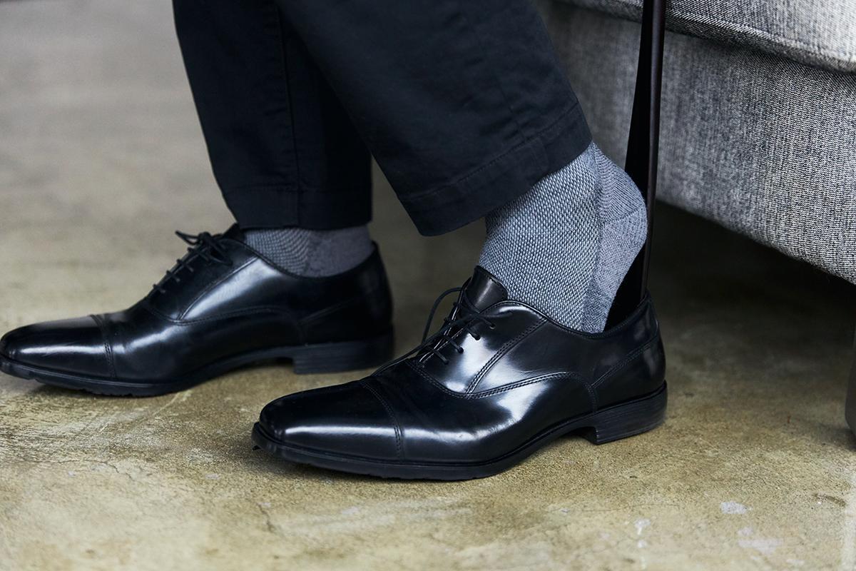 足を、ムレと冷えから守りつつ、丈夫で長持ち。チクチクせず、なめらかな肌ざわりです。夏は涼しく冬は暖かいメリノウールを使用した、血液やリンパの流れをサポートする着圧ソックス(健康ソックス・靴下)|Sockwell(ソックウェル)