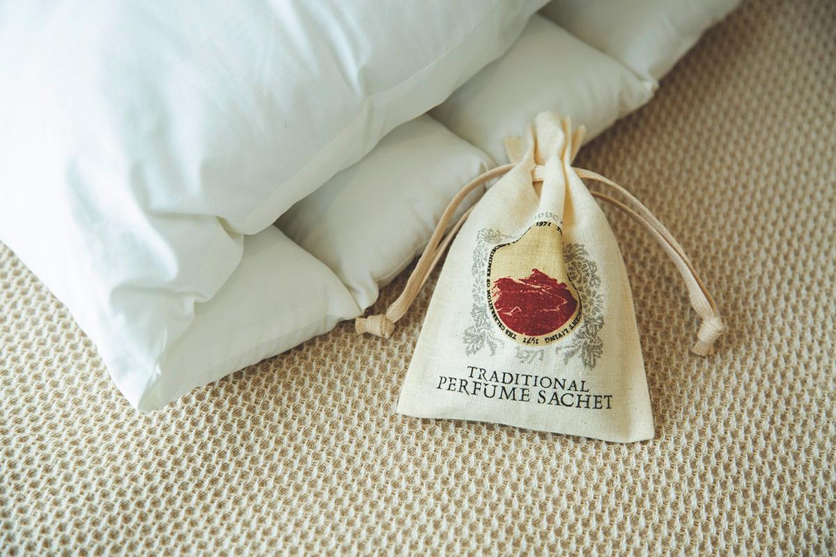 《おやすみ前のベッドサイドに》いい眠りをつくる「スリーピングセレモニー」にサシェ・匂い袋・香り袋|タイ王室御用達のアロマブランド『KARMAKAMET(カルマカメット)』