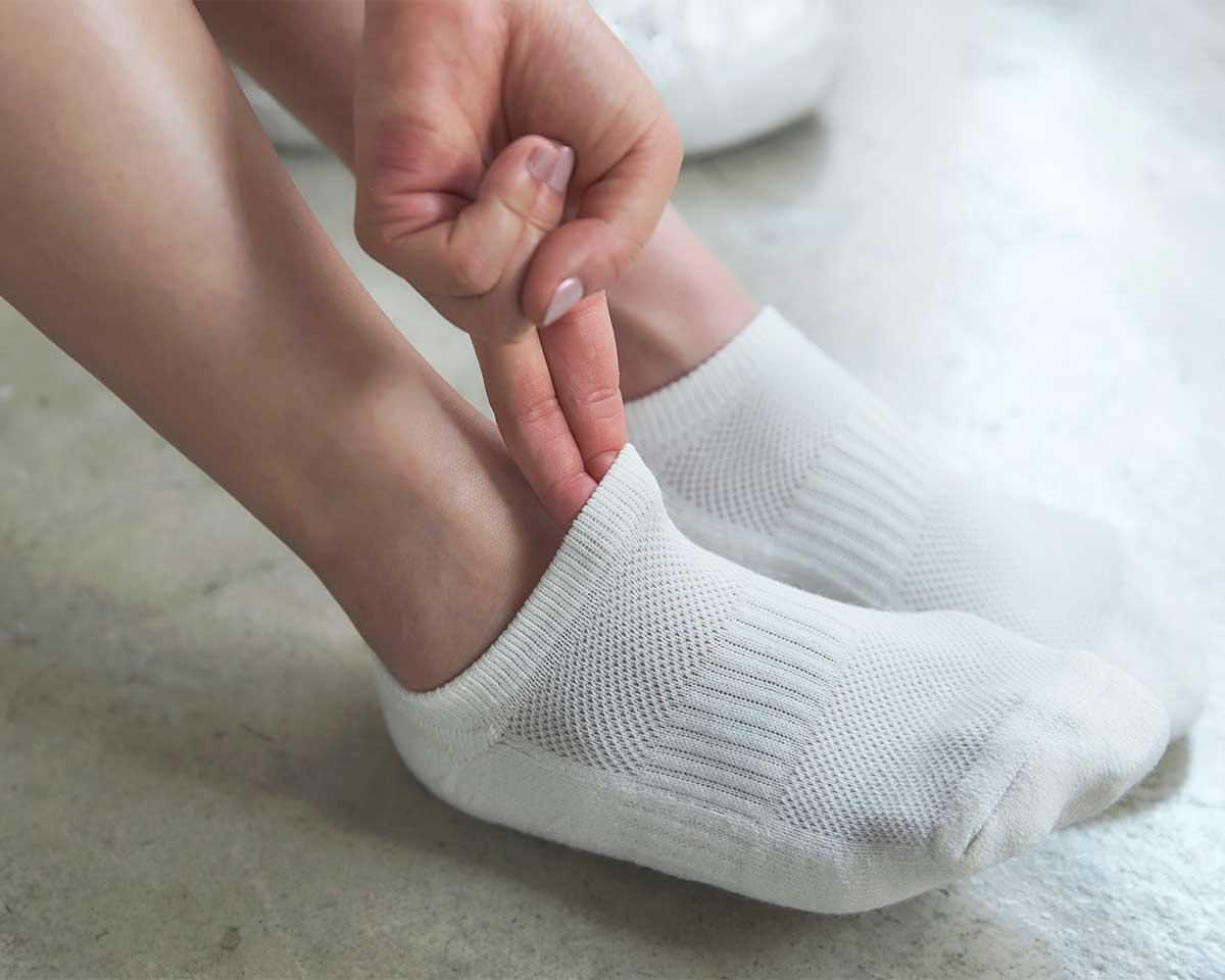 足の甲の大部分は、メッシュ編みにすることで、足のムレを逃がしやすい|消臭効果、サラサラ効果が続く、美濃和紙を使った和紙靴下・和紙ソックス