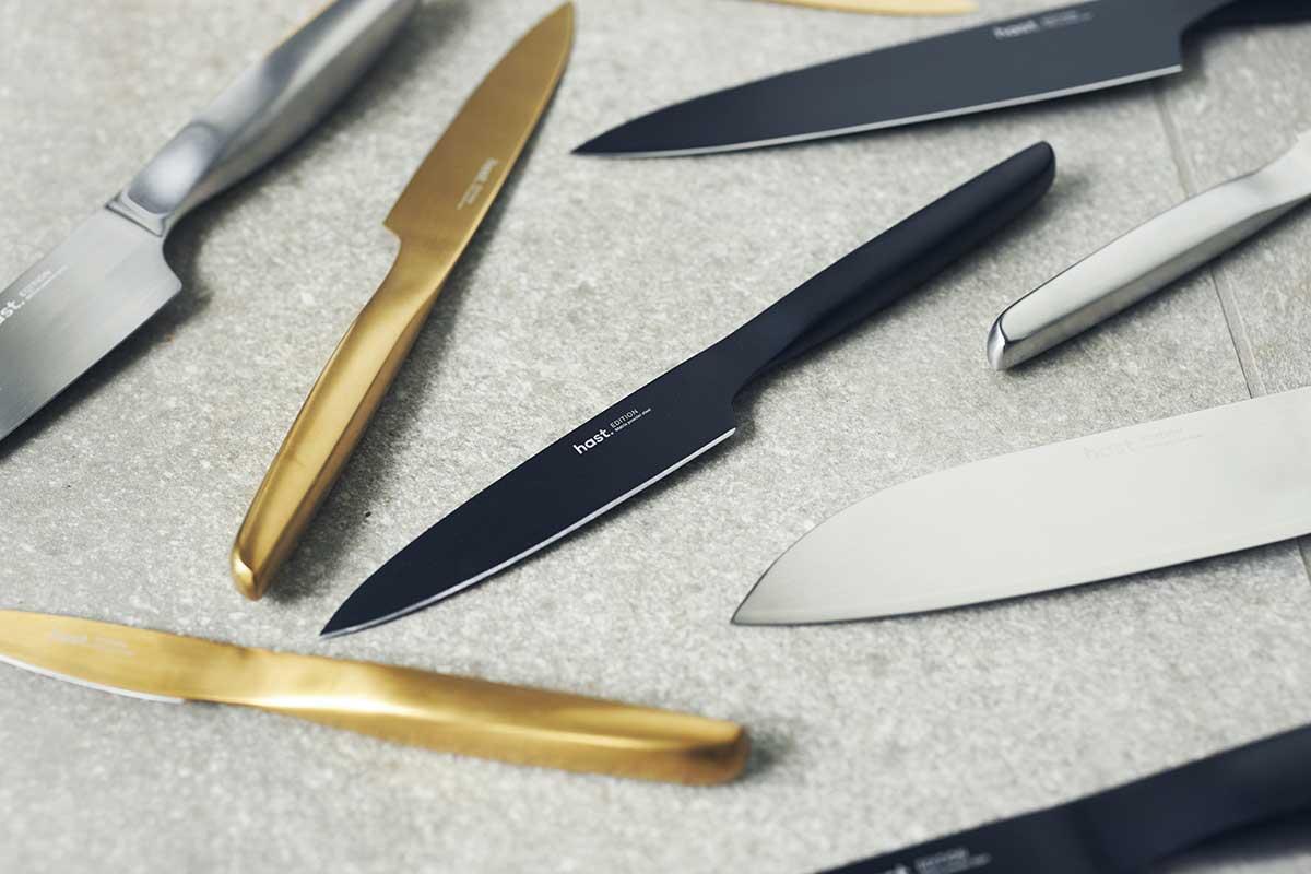 デザインと機能を持ち合わせた理想のナイフ。極薄刃でストレスフリーな切れ味、野菜・肉・魚に幅広く使える「包丁・ナイフ」|hast(ハスト)