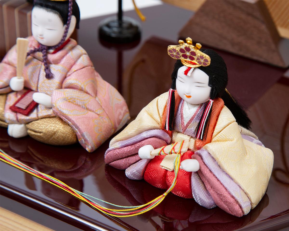 最高級のの日本伝統工芸を散りばめた。モダンな美しい日本の伝統工芸が結集した木目込みプレミアム雛人形|柿沼東光の宝想雛