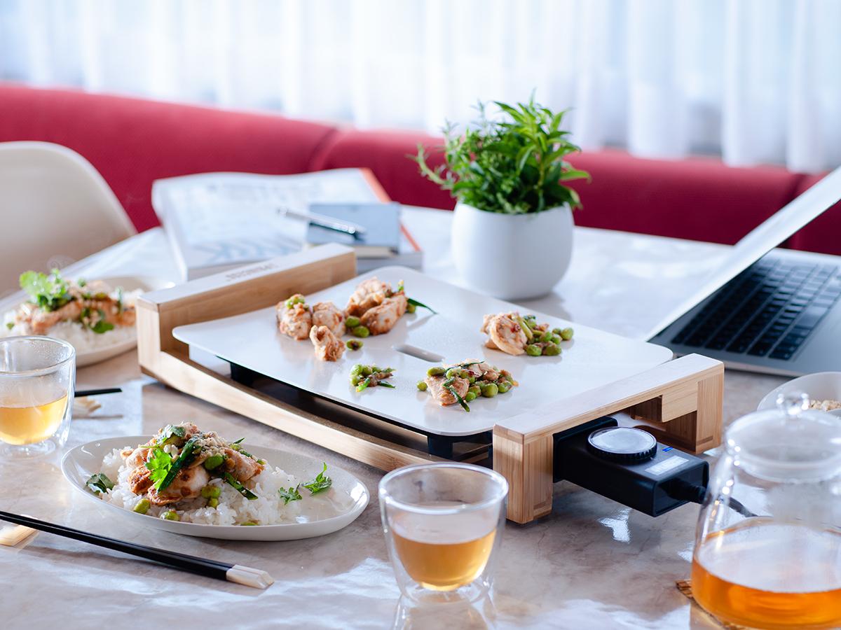 上質な飾り皿のような、インテリアに溶け込むテーブルグリルプレート・ホットプレート|PRINCESS社 Table Grill Mini