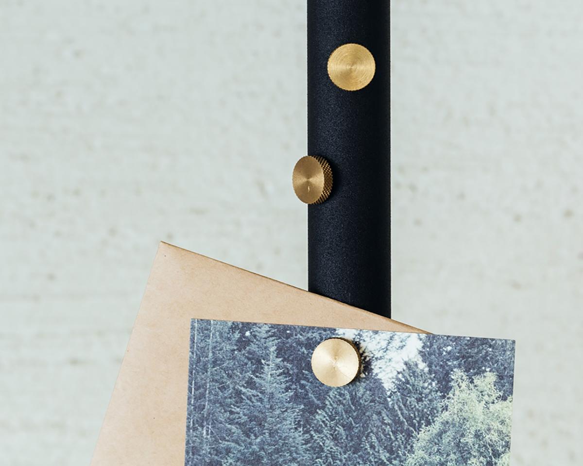 マグネット|1本の線(ライン)に、鍵もバッグも指定席ができる「つっぱり棒」|DRAW A LINE