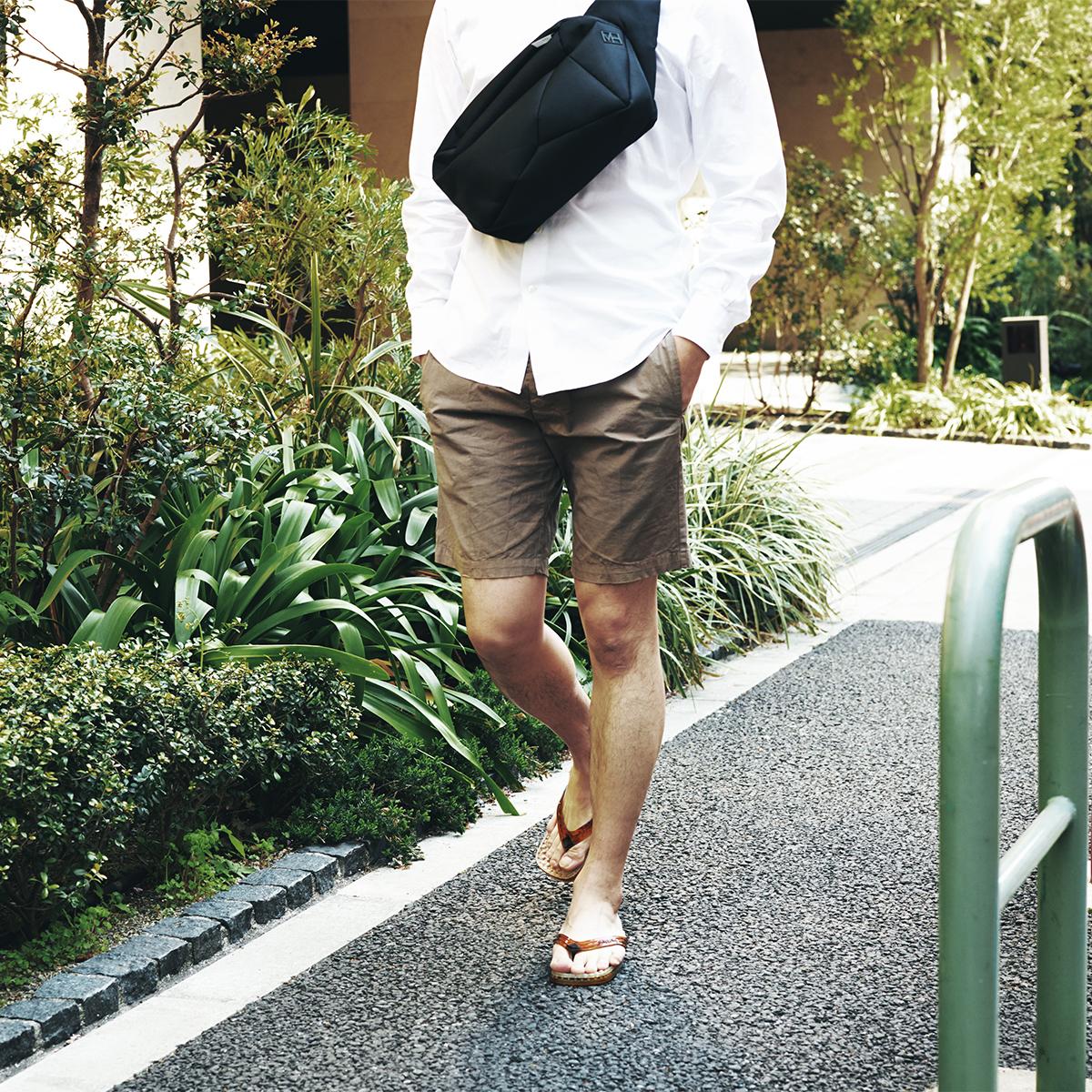 お洒落で洗練されたデザイン、履き心地バツグンでヘルシー。半球状の突起が、心地よく足裏マッサージしてくれる「健康サンダル」|SENSI