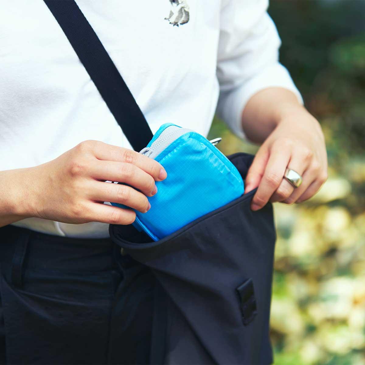 毎日気持ちよく買い物ができるよう、生地には抗菌防臭加工も施されています。ファッションに合わせて選べる豊富なカラー展開。スマートに持ち歩ける折りたたみエコバッグ|KATOKOA