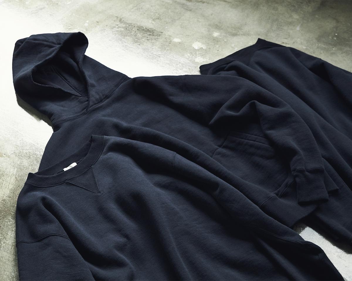 現代の染色技術で生まれた新色。スポルディング社の名作から、現存していない「ブラック」をMade in Japanで「トレーニングシャツ」|A.G. Spalding & Bros