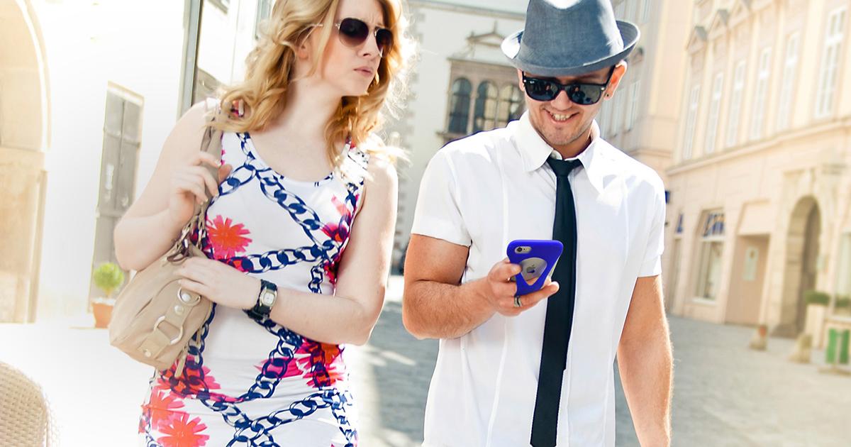 旅行や出張でも片手で操作できるiPhoneケース