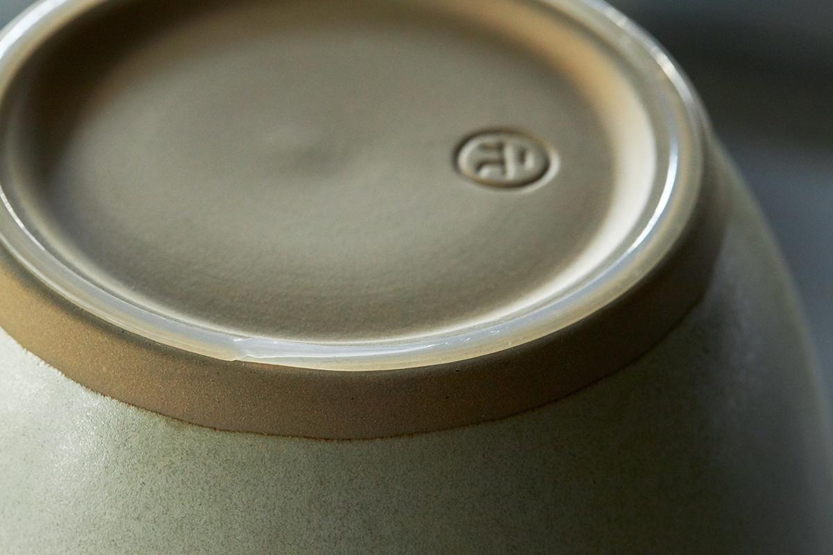 鉢の中で玉子サンドやポテトサラダが完成!そのまま器になる石見焼のすり鉢とすりこぎ棒|もとしげ