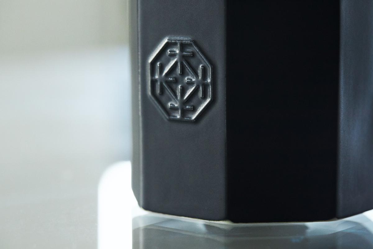 キャンドル使用後も楽しめる「有田焼」の器。穏やかな炎と心地いいヒノキの香りで、ゆったり癒しの時間を-センティッドキャンドル-KITOWA(キトワ)