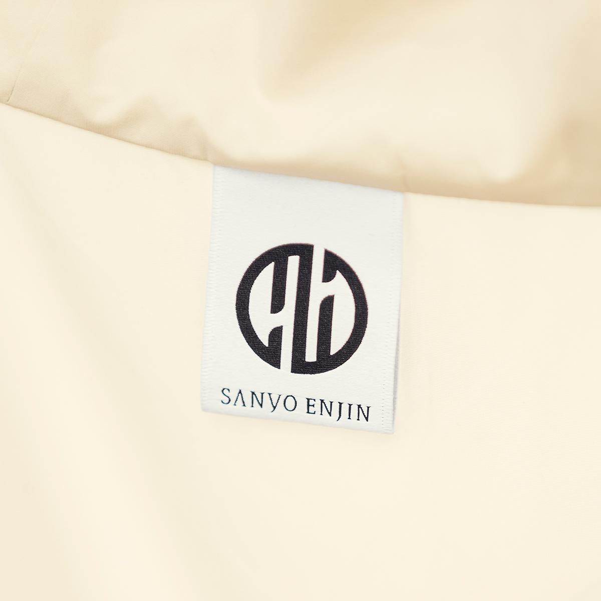 「あったらいいな」を技術で具現化。創業76年のアパレルメーカー『三陽商会』技術部による、プロジェクトから生まれたブランド『SANYO ENJIN(サンヨー エンジン)』による「バッグ一体型パーカー」| SANYO ENJIN