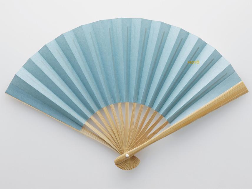 京都産の和紙と滋賀・安曇川産の竹で作られた「京扇子」|MOYÖ 扇子