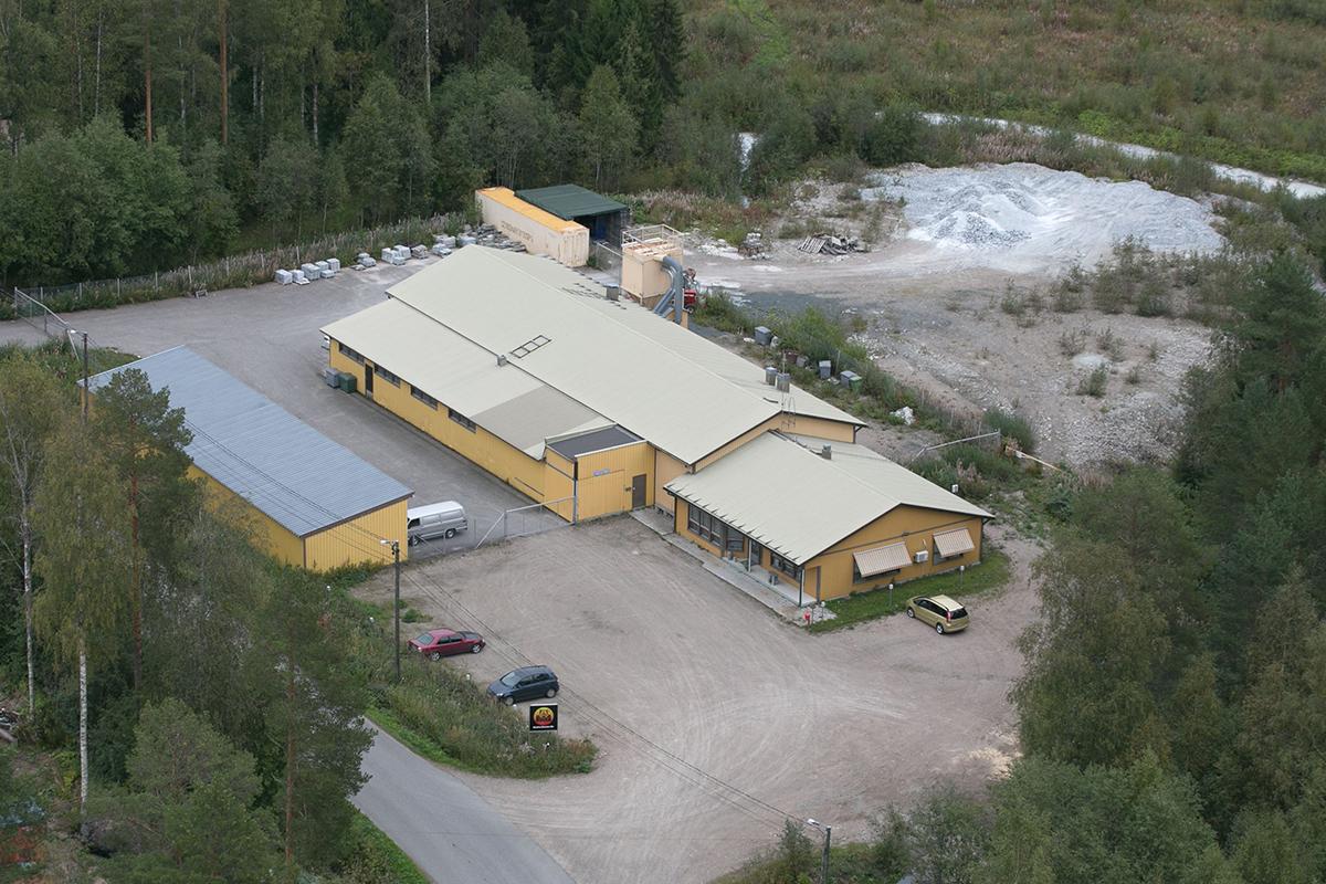 手つかずの美しい自然が広がる場所、フィンランド北東部の湖地方・トゥポヴァラ(Tuupovaara)に工場を構える『HUKKA DESIGN』。|北欧フィンランド北東部の地底から発見された、カレリアンソープストーンの「マッサージストーン」|HUKKA DESIGIN(フッカ デザイン)