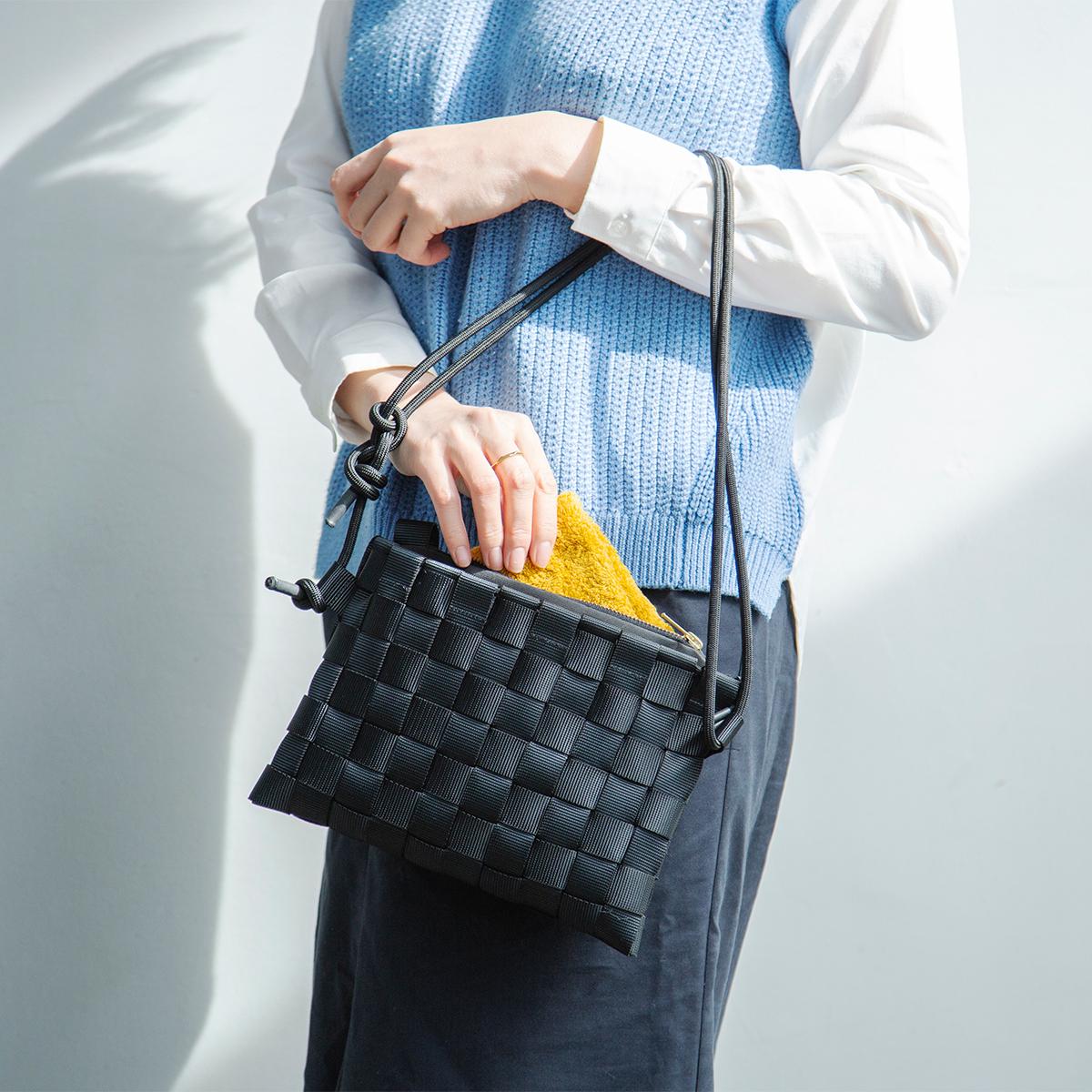 ハンドバッグ 取り外し可能なポーチinバッグが付属、3通りの使い方ができる「ショルダーバッグ」  PACK